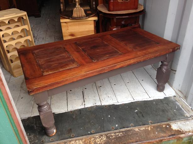 Rustic mexican solid wood coffee table central nanaimo for Rustic beach coffee table