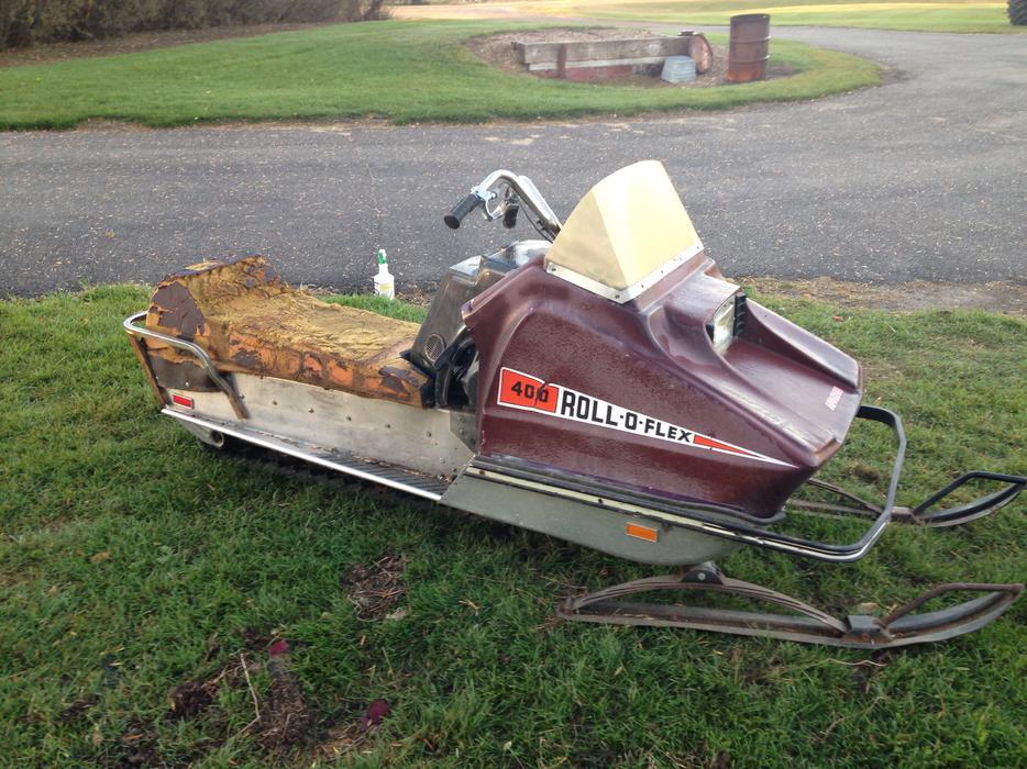 WANTED: Roll O Flex or Ski Bee snowmobile Rural Regina, Regina