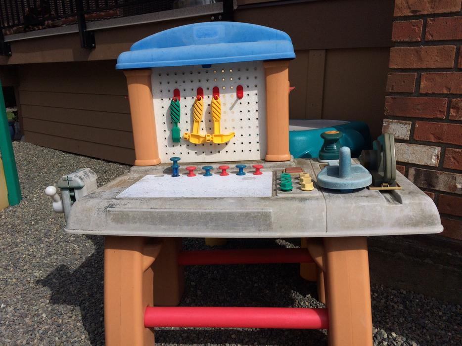 Little Tikes Work Bench West Shore Langford Colwood