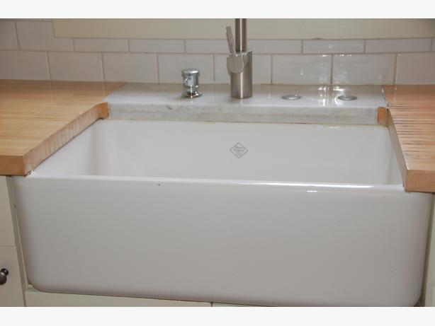 Much sought after, Shaws Classic Butler 800 Farmhouse Apron Sink for ...
