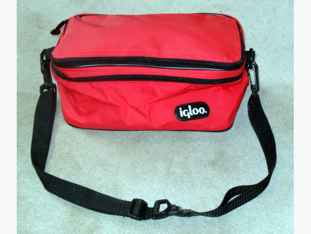 New Small Igloo Brand Cooler Bag with a Hide-Away Shopping Bag