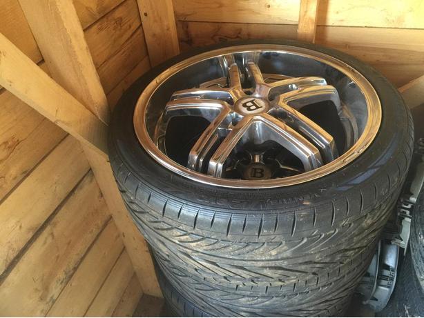 4 Hankook tires rims 225/40/18