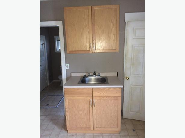 New kitchen cabinets for sale east regina regina for Kitchen cabinets regina