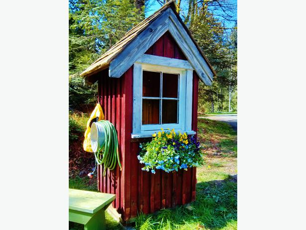Yellow cedar garden shed antiqued distressed outside for Garden shed victoria