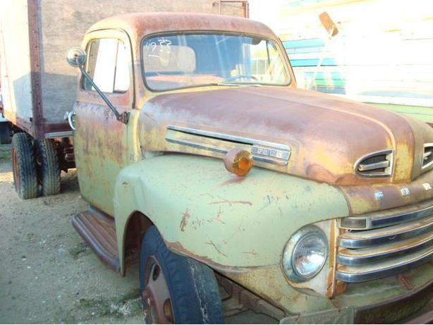 1949 FORD F135 2 TON