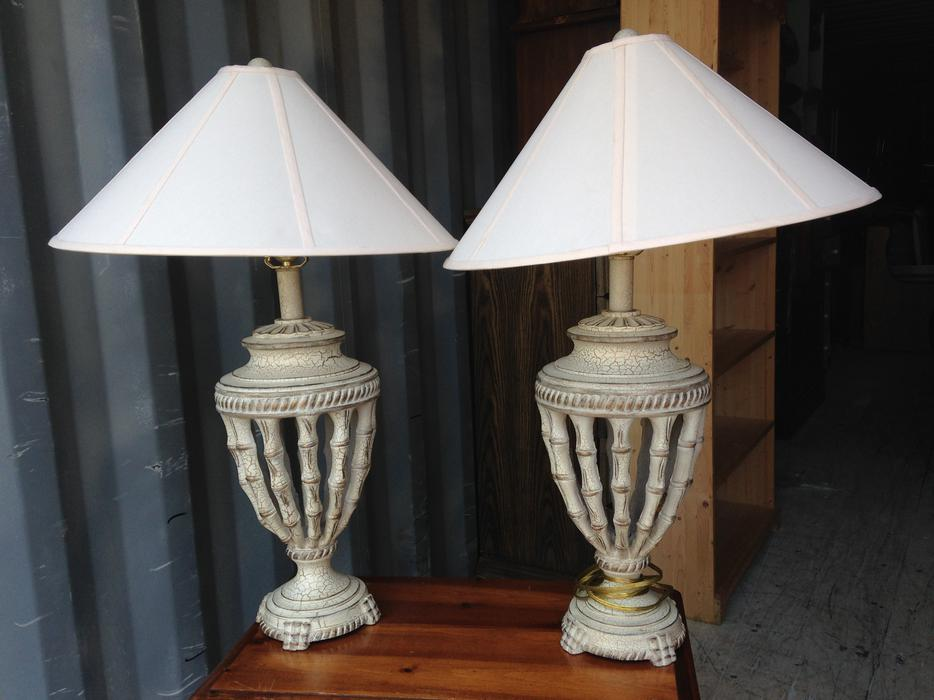 set of high end quality table lamps central nanaimo nanaimo. Black Bedroom Furniture Sets. Home Design Ideas