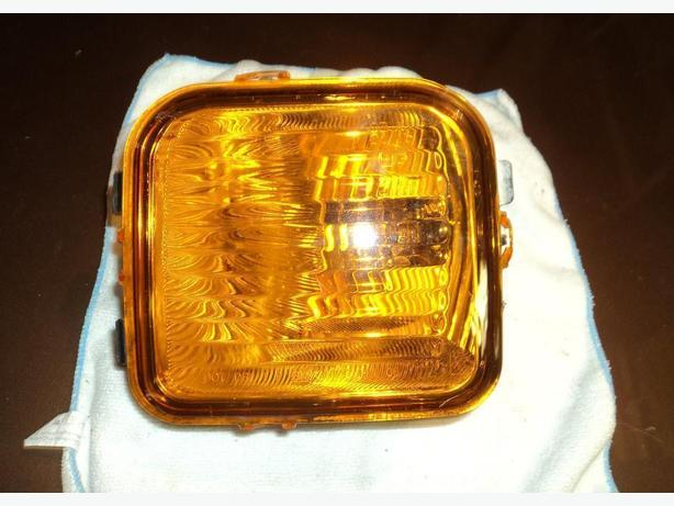 2006 Hummer left signal light