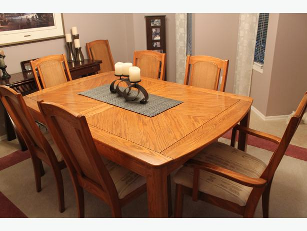 in needed 1 200 dining room table w 8 chairs and hutch palliser