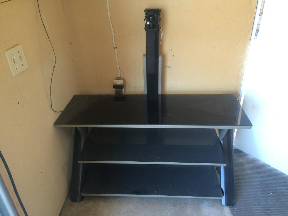 FREE Tv Stand For Free Pick Up Only West Regina Regina