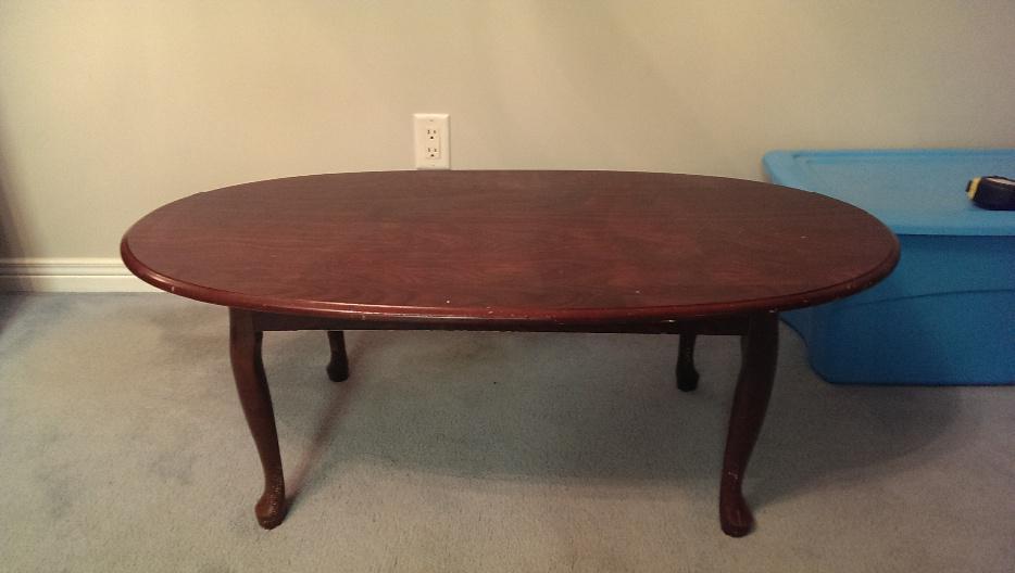 Oval coffee table kanata ottawa for Coffee tables ottawa