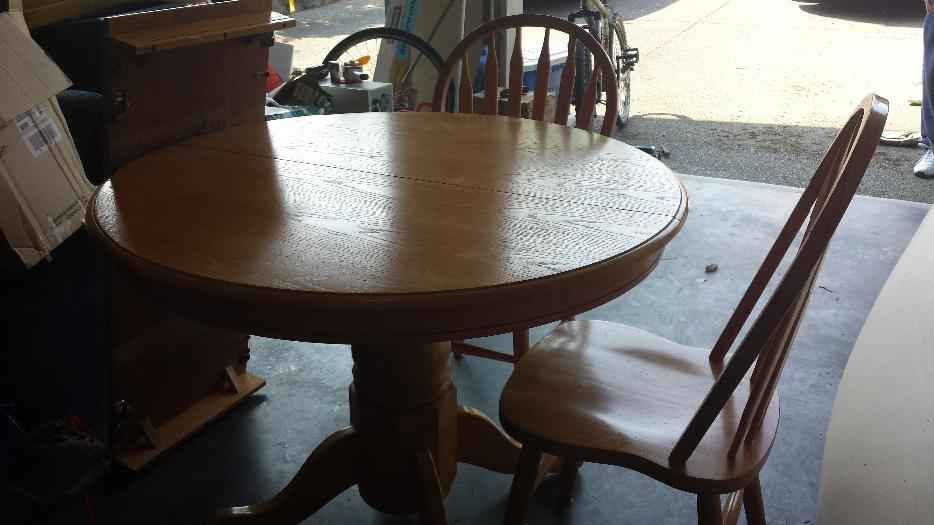 Oak dining table with 4 chairs and Leaf West Shore  : 46796570934 from www.usedvictoria.com size 934 x 525 jpeg 66kB