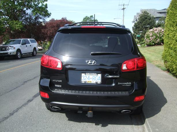 reduced 2009 hyundai santa fe 3 3 limited awd victoria. Black Bedroom Furniture Sets. Home Design Ideas