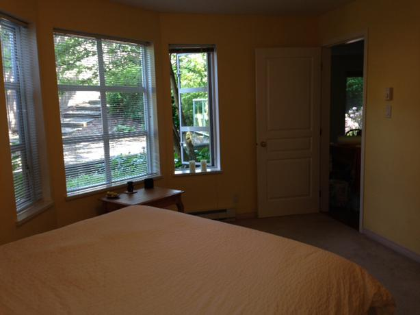 Spacious Master Bedroom W Ensuite Available For Rent