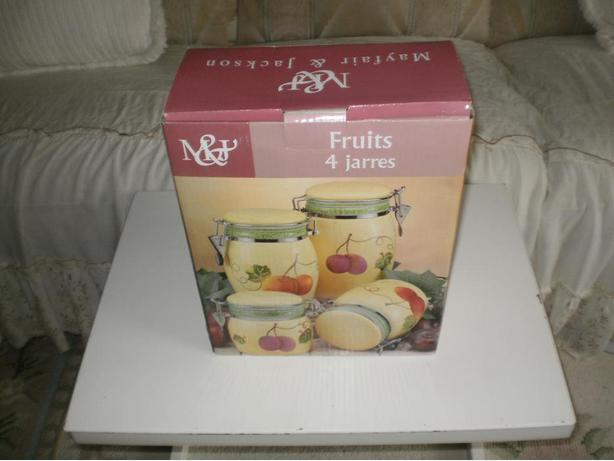 BRAND NEW HOUSE GIFT MAYFAIR & JACKSON 4-PIECE CERAMIC FRUIT CANISTER SET