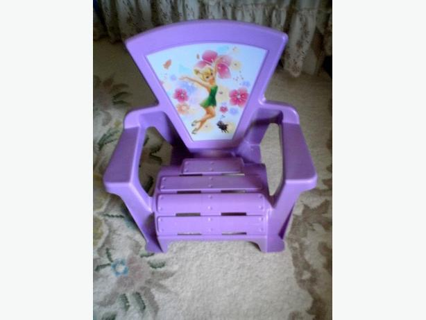 BRAND NEW CONDITION, MINT SHAPE,CUTE DISNEY TINKER BELL ARMCHAIR