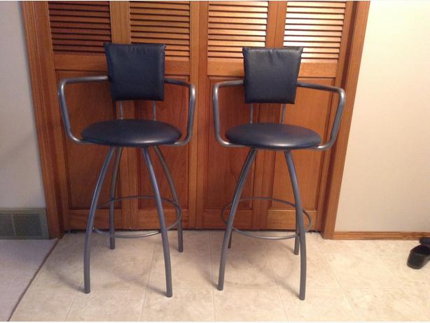 2 Quality Swivel Bar Stools For Sale North Regina Regina : 46808176614 from usedregina.com size 614 x 461 jpeg 35kB