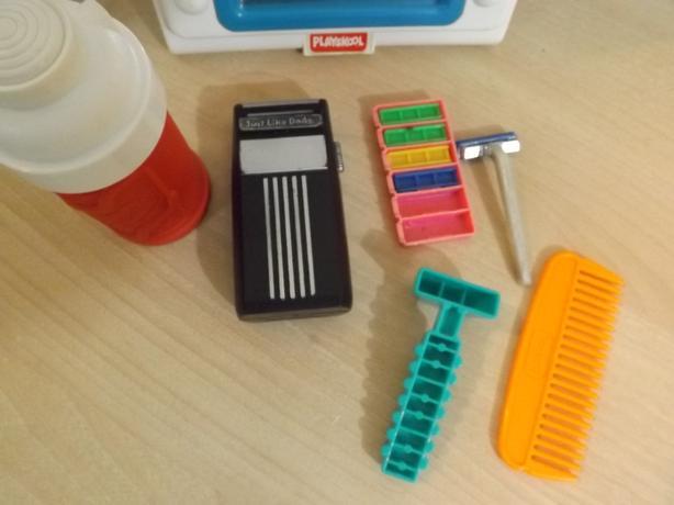 Rare Vintage 1991 Playskool Childrens Play Shaving Kit