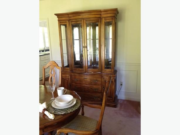 solid oak dining room set w glass hutch and server gatineau sector