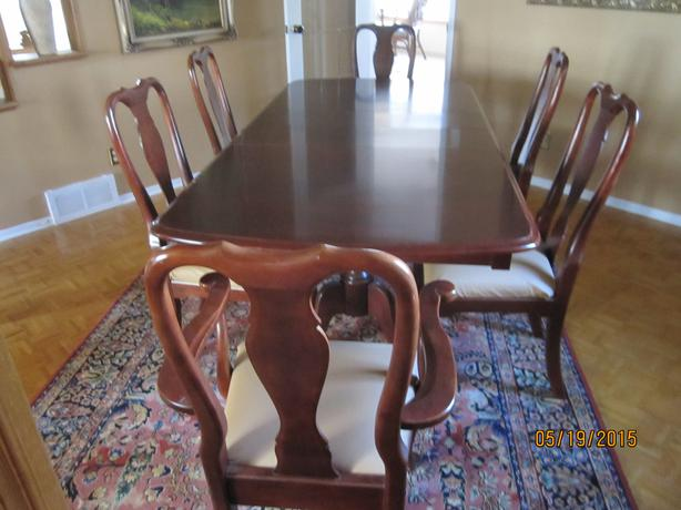 Queen Anne Style Dining Room Set Nepean Ottawa