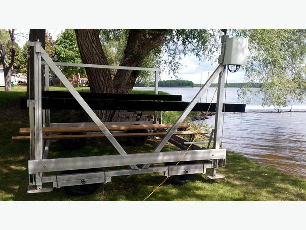 5000 lbs dock rite electric boat lift rideau township ottawa for Electric boat lift motor