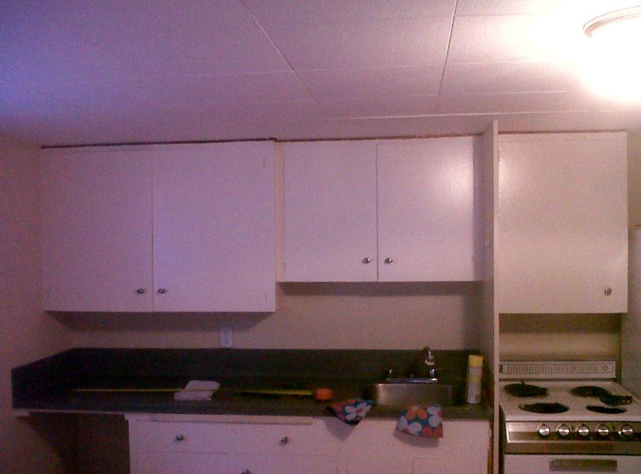 Free upper kitchen cabinets victoria city victoria for Kitchen cabinets york region