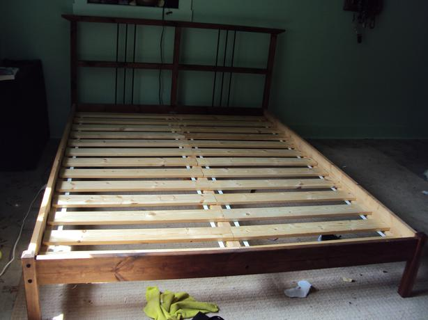 Ikea queen size pine bed frame plus slats duncan cowichan for Ikea queen size box spring
