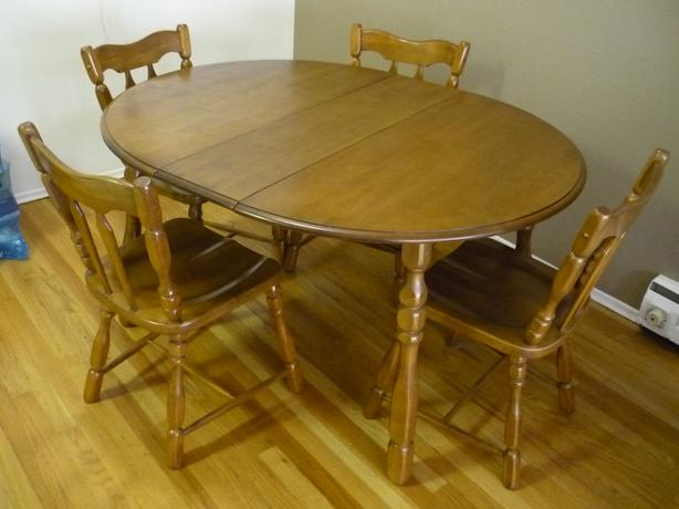 mid century dining room table and 4 chairs table has