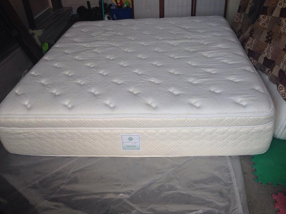 High end king size bed saanich victoria mobile for High end king size bed