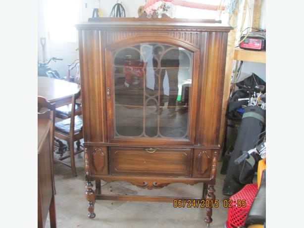 Gibbard Solid Walnut China Cabinet And Buffet Hutch Other Pei