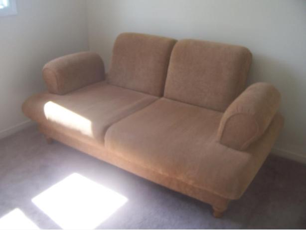 Stylish comfy tan large bed sofa for sale i deliver for Comfy couches for sale