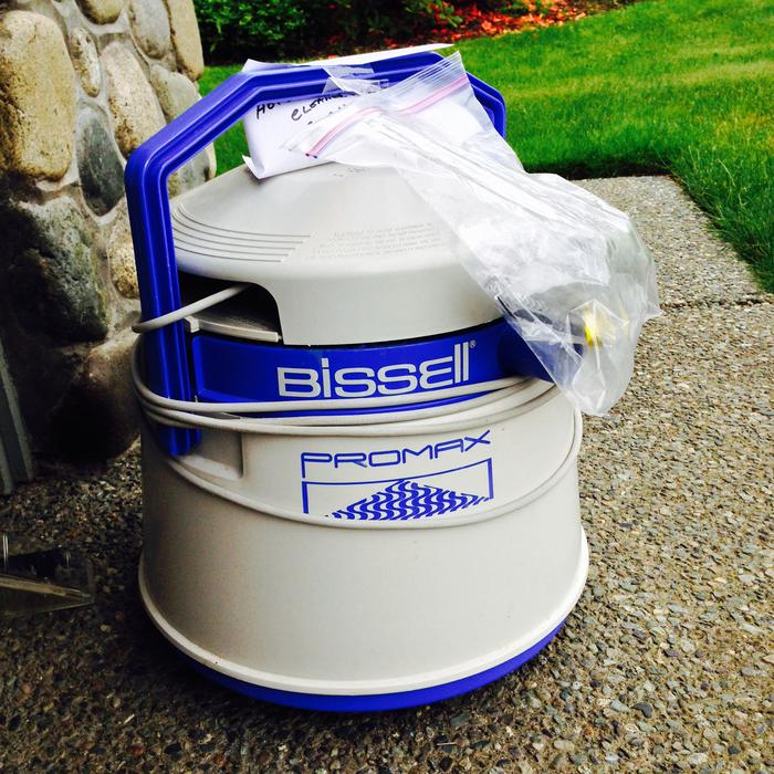 Bissell 1660 Powerlifter Canister Carpet Shampooer Outside