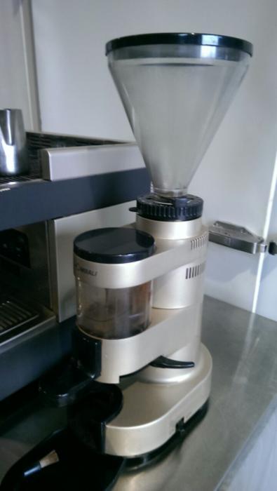 la cimbali m 28 selectron espresso machine with grinder. Black Bedroom Furniture Sets. Home Design Ideas