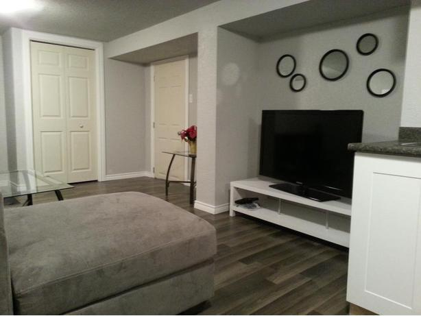 Modern fully furnished 2 bedroom suite in Lakeview Park