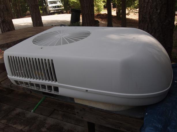 Rv Roof Top Air Conditioner Outside Cowichan Valley  Cowichan