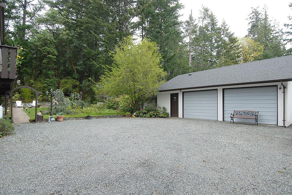 2 acres 900 sq ft sep garage 2700 ft home incl inlaw for 900 sq ft modular home