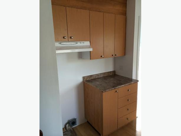 Kitchen cabinets many types and styles new used for Kitchen cabinets quebec