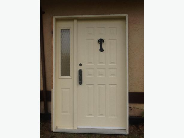 front entry door and sidelite cobble hill cowichan mobile