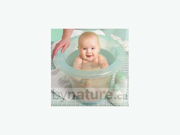 spa baby european bathtub central nanaimo nanaimo. Black Bedroom Furniture Sets. Home Design Ideas