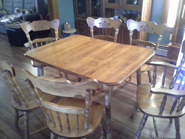 Solid Maple Dining Room Set PRINCE COUNTY PEI