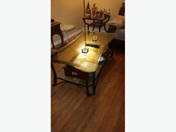 Glass coffee table with 2 matching end tables north regina regina Matching coffee table and end tables