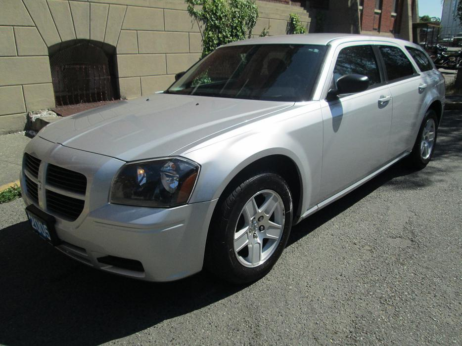 2005 Dodge Magnum AWD - LOCAL VEHICLE! Outside Cowichan Valley ...
