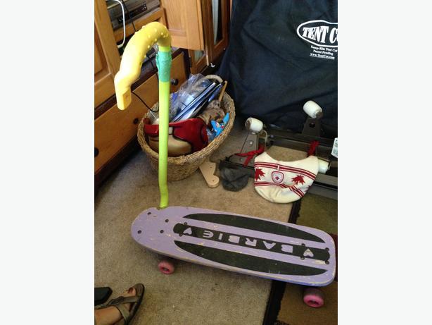 kids skate board, Barbie - foldable handle Saanich ...