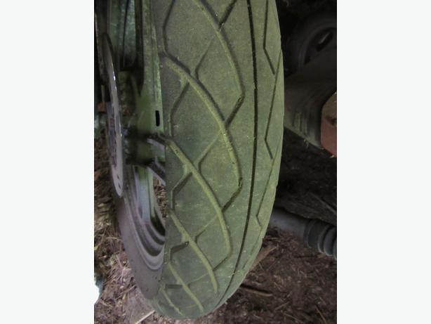 Bridgestone front motorcycle tire 100/90-19 EXCELLENT