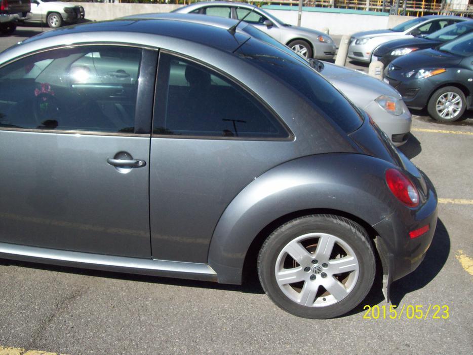 2007 Volkswagon Beetle Central Ottawa Inside Greenbelt