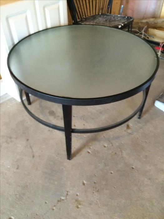 Large round coffee table east regina regina for Coffee tables regina
