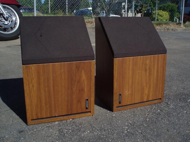 vintage bose 2 2 direct reflecting bookshelf speakers for sale central saanich victoria. Black Bedroom Furniture Sets. Home Design Ideas