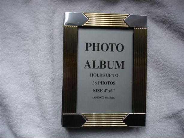 "ELEGANT 2-TONE PHOTO ALBUM Holds up to 36  TREASURES 4"" x 6"""