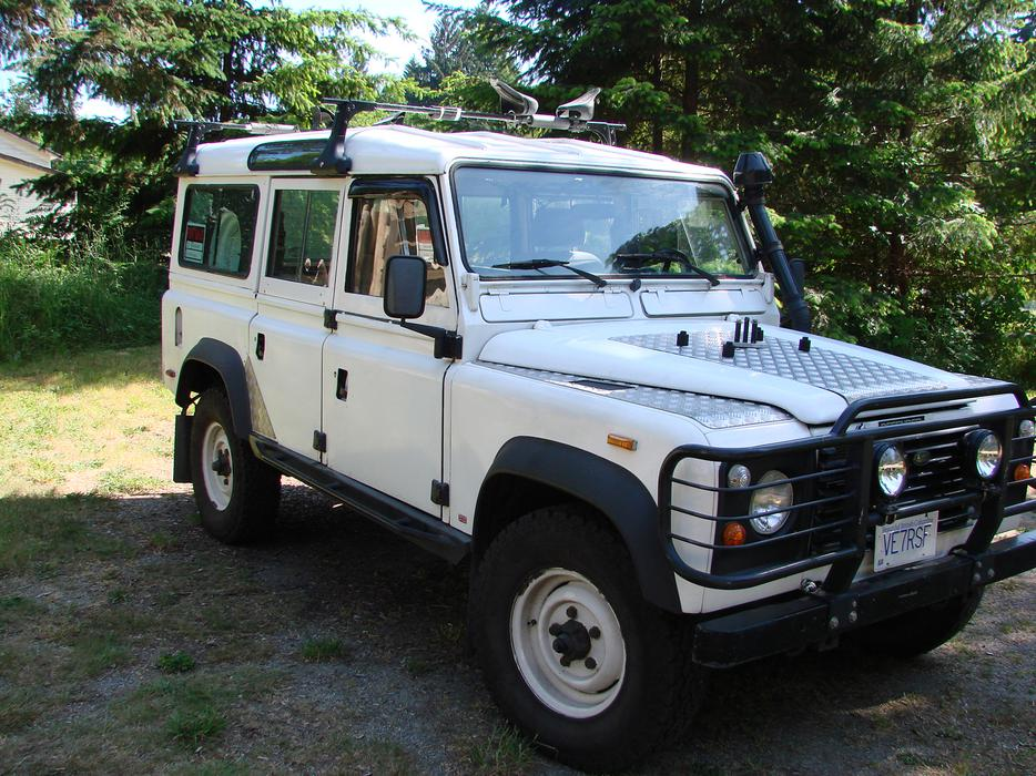 Land Rover Defender 110 Lhd 300tdi Outside Victoria Victoria