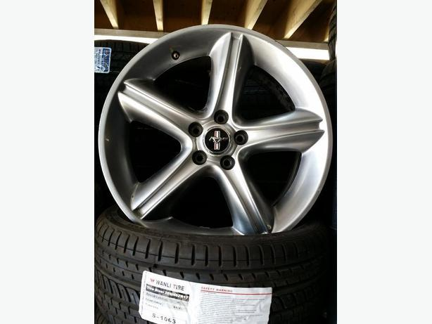 "19"" oem Ford Mustang wheels Watch