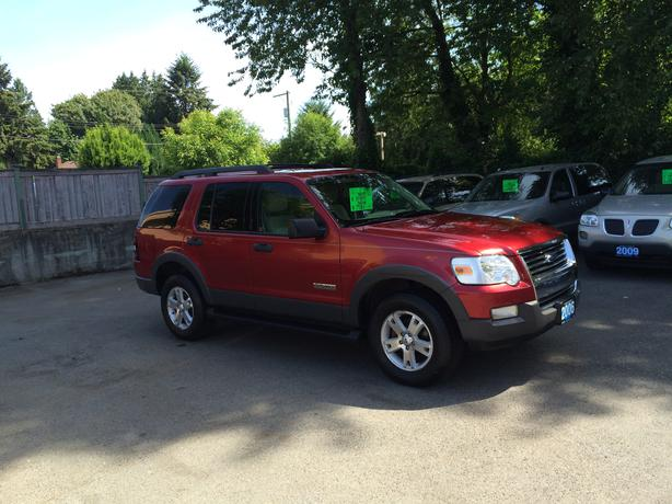 2006 ford explorer 4x4 with 7300 lb towing capacity outside nanaimo. Black Bedroom Furniture Sets. Home Design Ideas